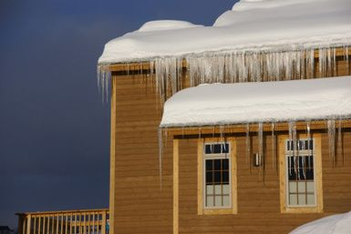Installing Roof Heat Cable Can Prevent Ice Dams How To Install Gutters Heat Tape New Homes