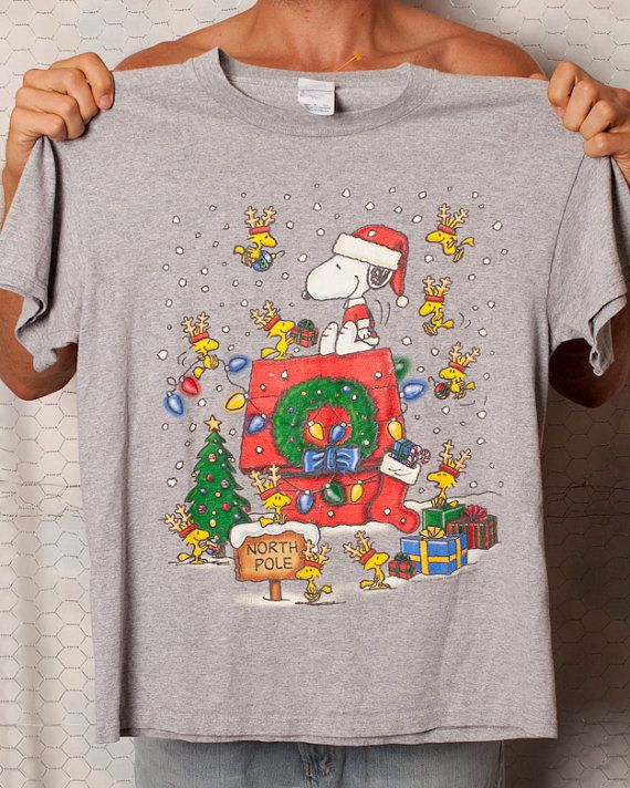 SNOOPY Christmas Tshirt - M | Snoopy christmas and Snoopy