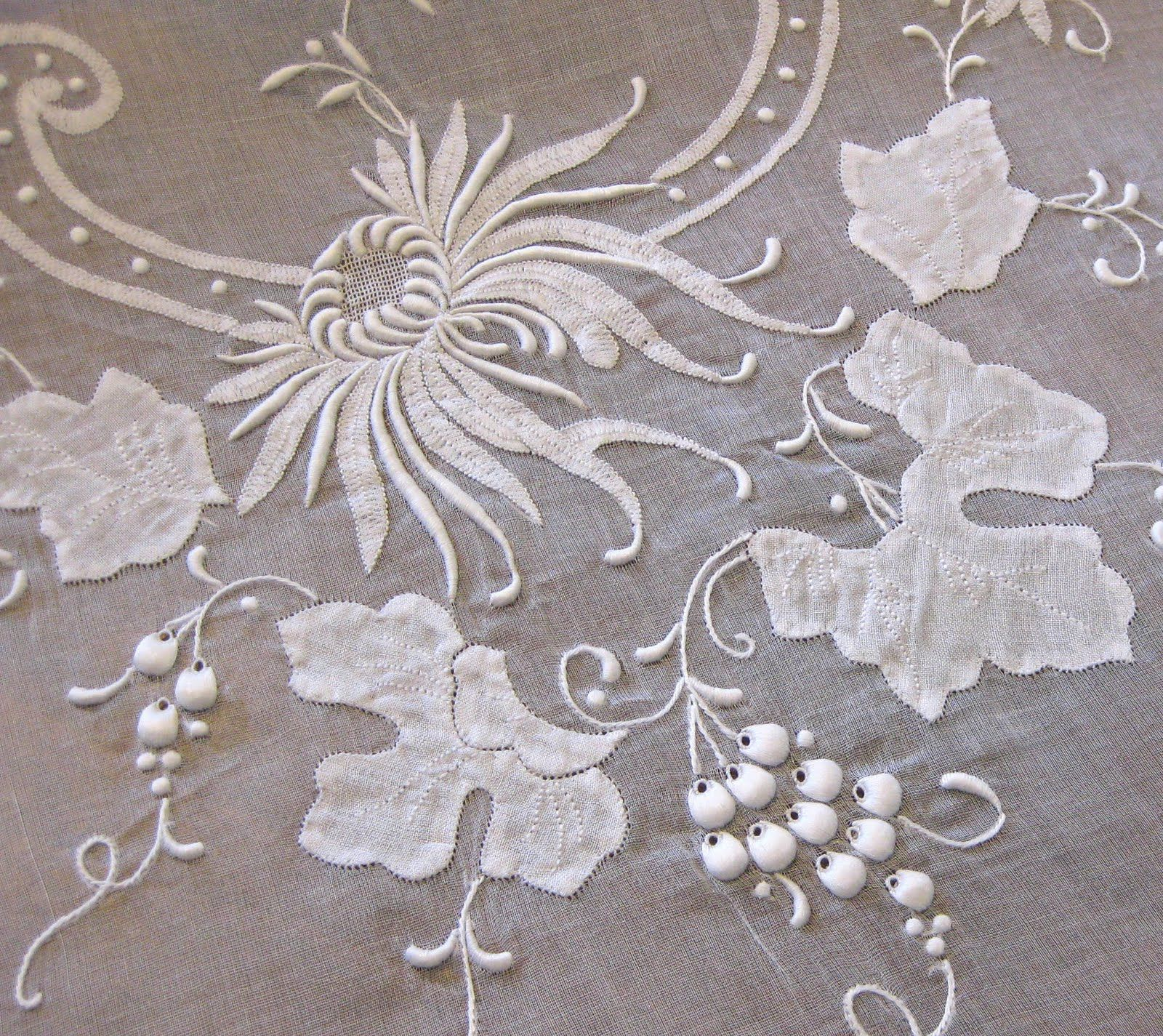 madeira table linens linge ancien blanc pinterest broderie linge et draps vintage. Black Bedroom Furniture Sets. Home Design Ideas