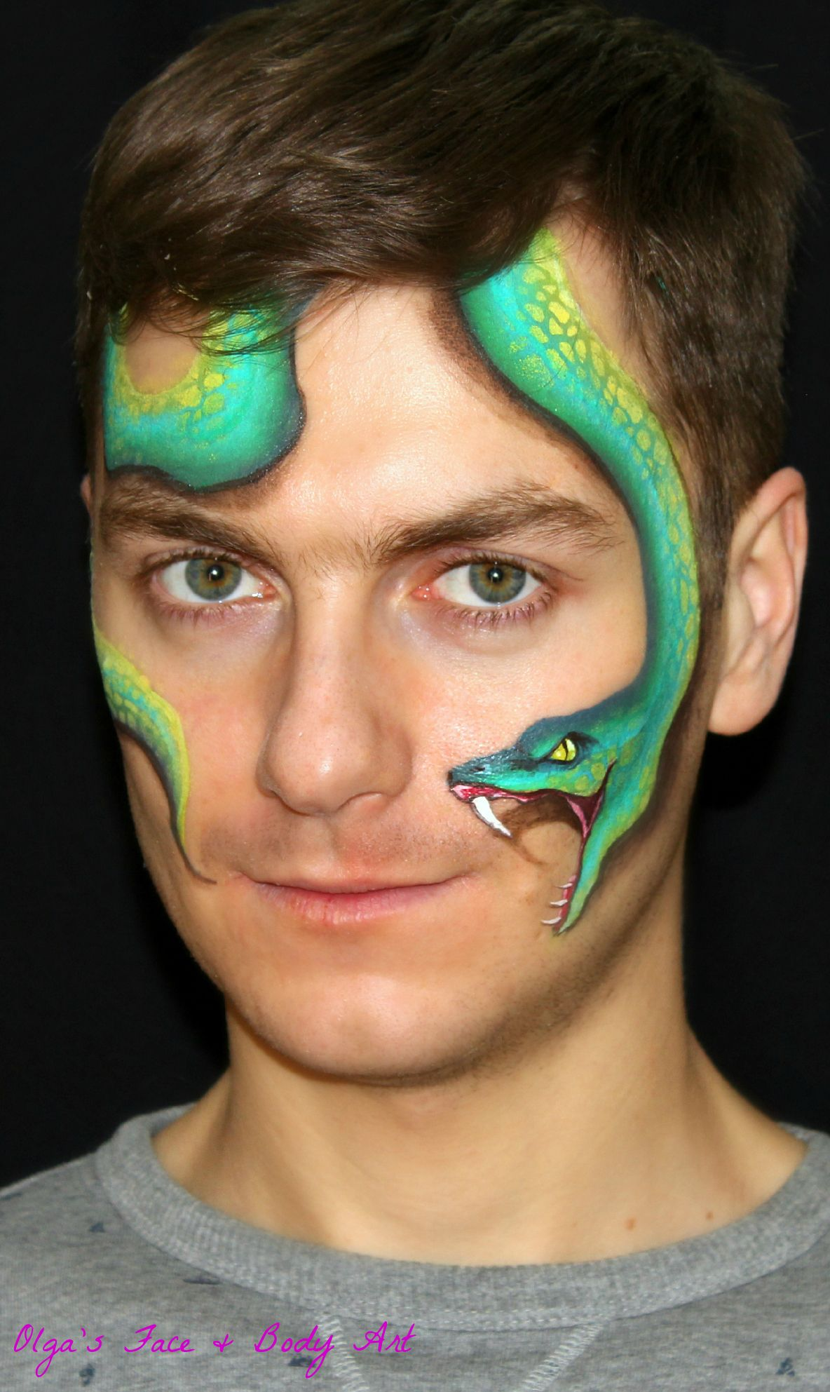easy realistic snake face painting design maquillajes pinterest kinderschminken. Black Bedroom Furniture Sets. Home Design Ideas