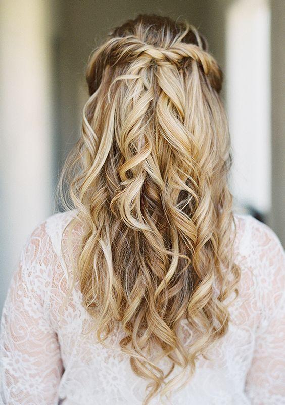 Stunning Half Up Half Down Wedding Hairstyles Lilostyle In 2020 Wedding Hair Down Hair Styles Junior Bridesmaid Hair