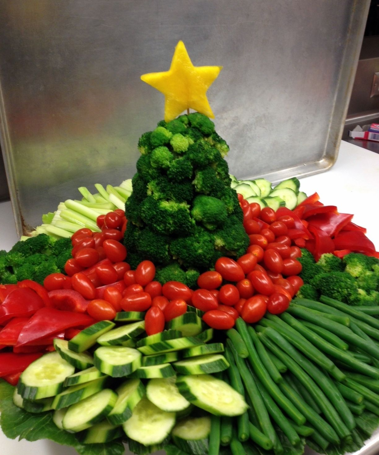 Christmas Veggie Tray.Veggie Tray For Farmer S Market Party Christmas Holiday