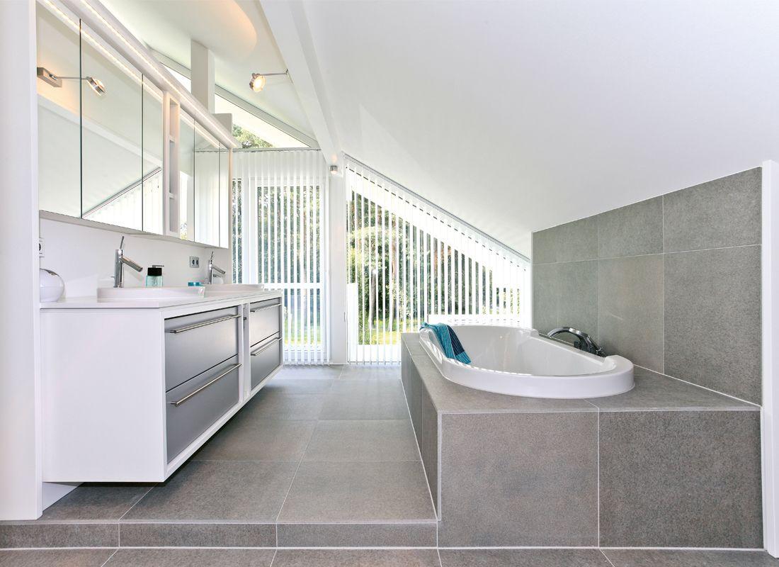 Badezimmer Luxus ~ Luxus ambiente badezimmer einrichtung vorhänge goldene wasserhähne