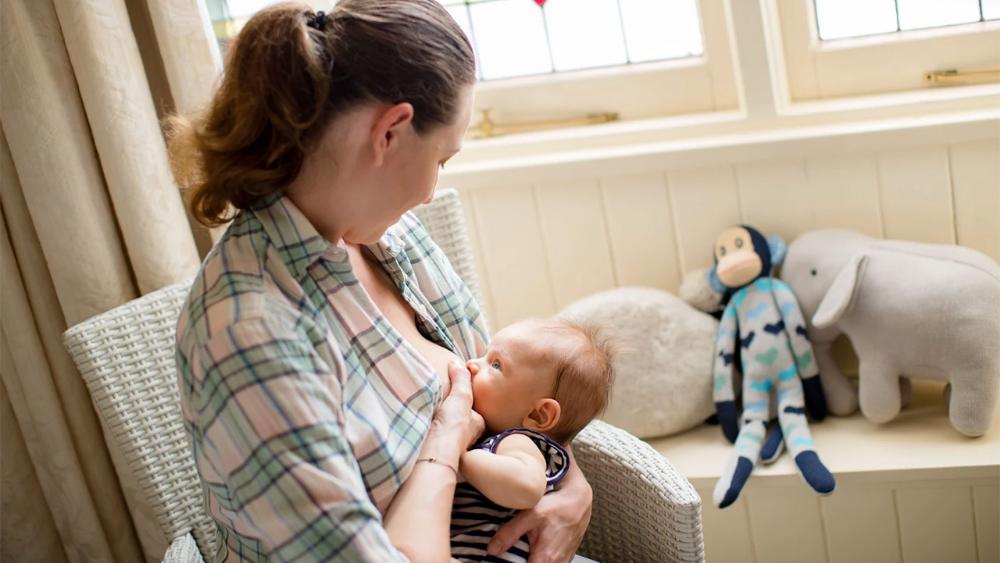 Breastfeeding, Bottle-Feeding  Solids  Raising Children -7126