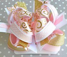 Light pink and gold hair bow Gold glitter por FleuretteAccessories