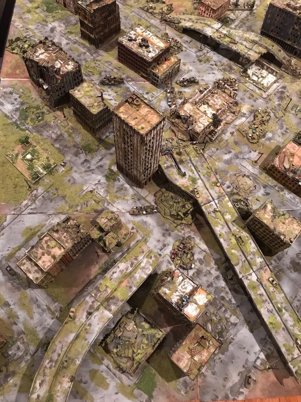 My Masterpiece As A Hobbyist My 5x4 City Table N Scale 10mm Forum Dakkadakka Wargaming Terrain Warhammer Terrain Overgrown City