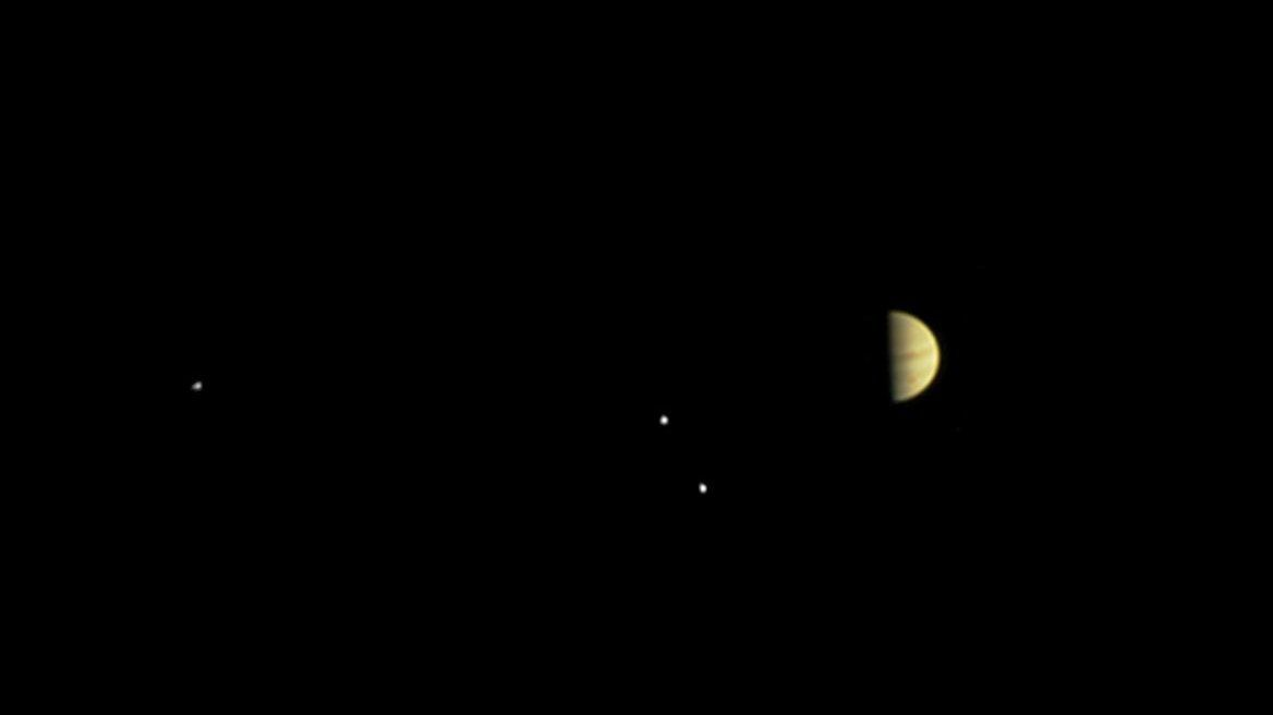 What to Expect During Juno's Mission to Jupiter - The New York Times