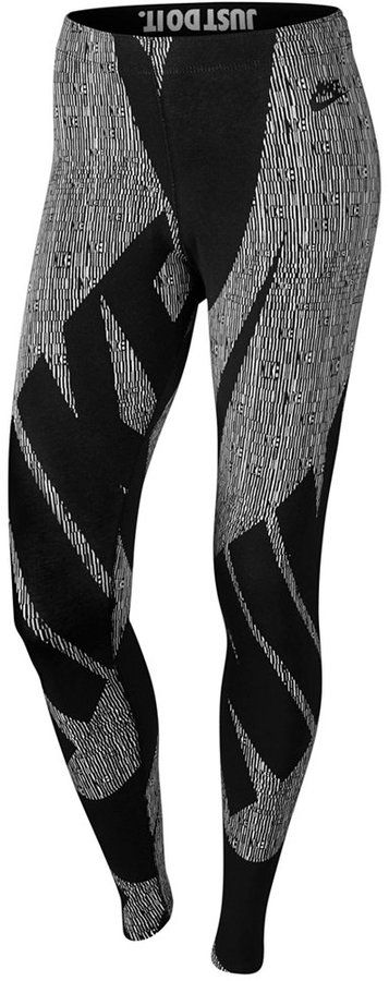 https://goo.gl/zmzbX1 #ootd #Activewear #Blogger #Fitspo #Fitness Nike Leg-A-See Glyph Printed Leggings