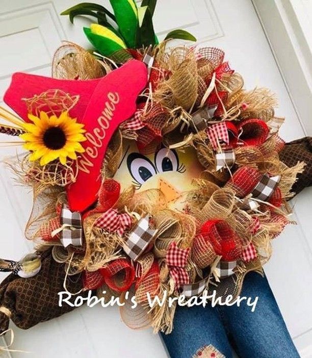 I am so excited for #autumn #wreath designs, I love this Robin! Made using the #UITC Character Wreath Board using an adorable #scarecrow image insert! #uniqueinthecreek #happywreathing #uniqueinthecreekboard #madeitwithUITC #scarecrowwreath #scarecrowdeco #scarecrowwreath
