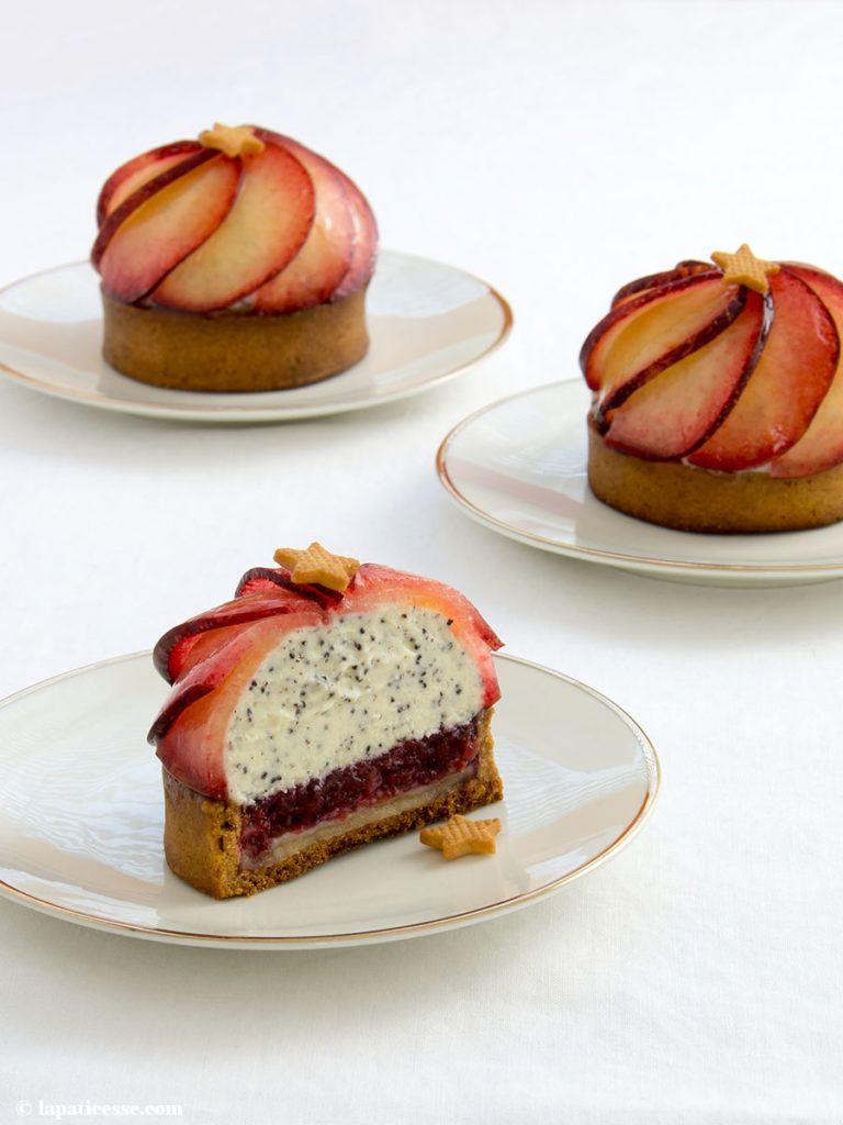 Tartaletas de flor de ciruela con semillas de amapola y ciruelas metis – La Pâticesse – The Patisserie Blog