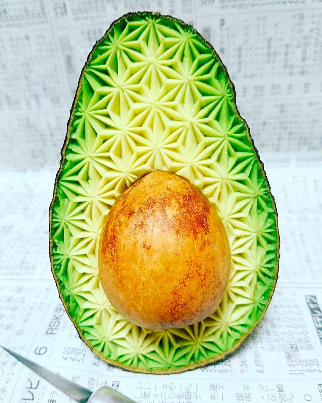 Künstler Essen der japanische künstler gaku schnitzt obst und gemüse präziser als