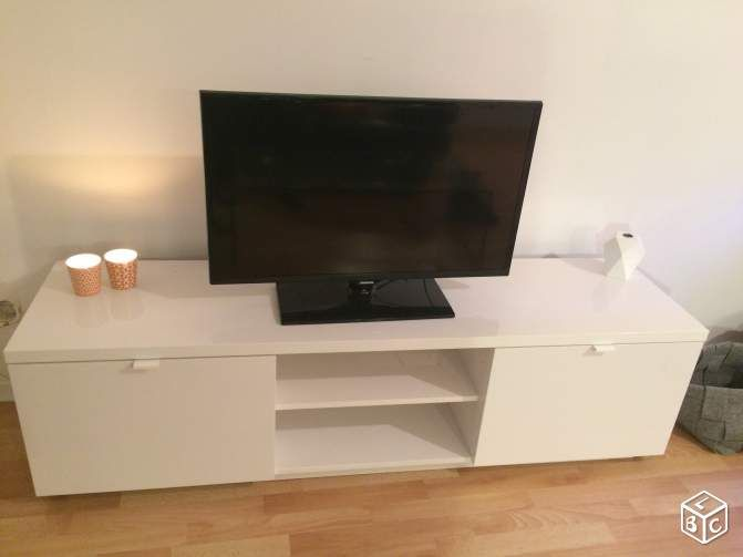 Meuble Banc Tv Ikea Byas Ameublement Nord Leboncoin Fr En 2019 Meuble Banc Banc Tv Ikea Et Tv Ikea