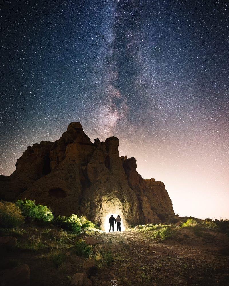 King S Tomb By Tyler Sichelski Landscape Portrait Night Love Stars Couple Arizona Surreal Mountain Desert Pose Panor Sky Landscape Photo Tomb