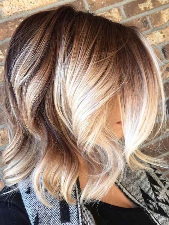 Brown To Blonde Balayage With Perfect Light Chunky Hairstyles 2017 Trends For Womens Short Hair Balayage Hair Styles Balayage Hair