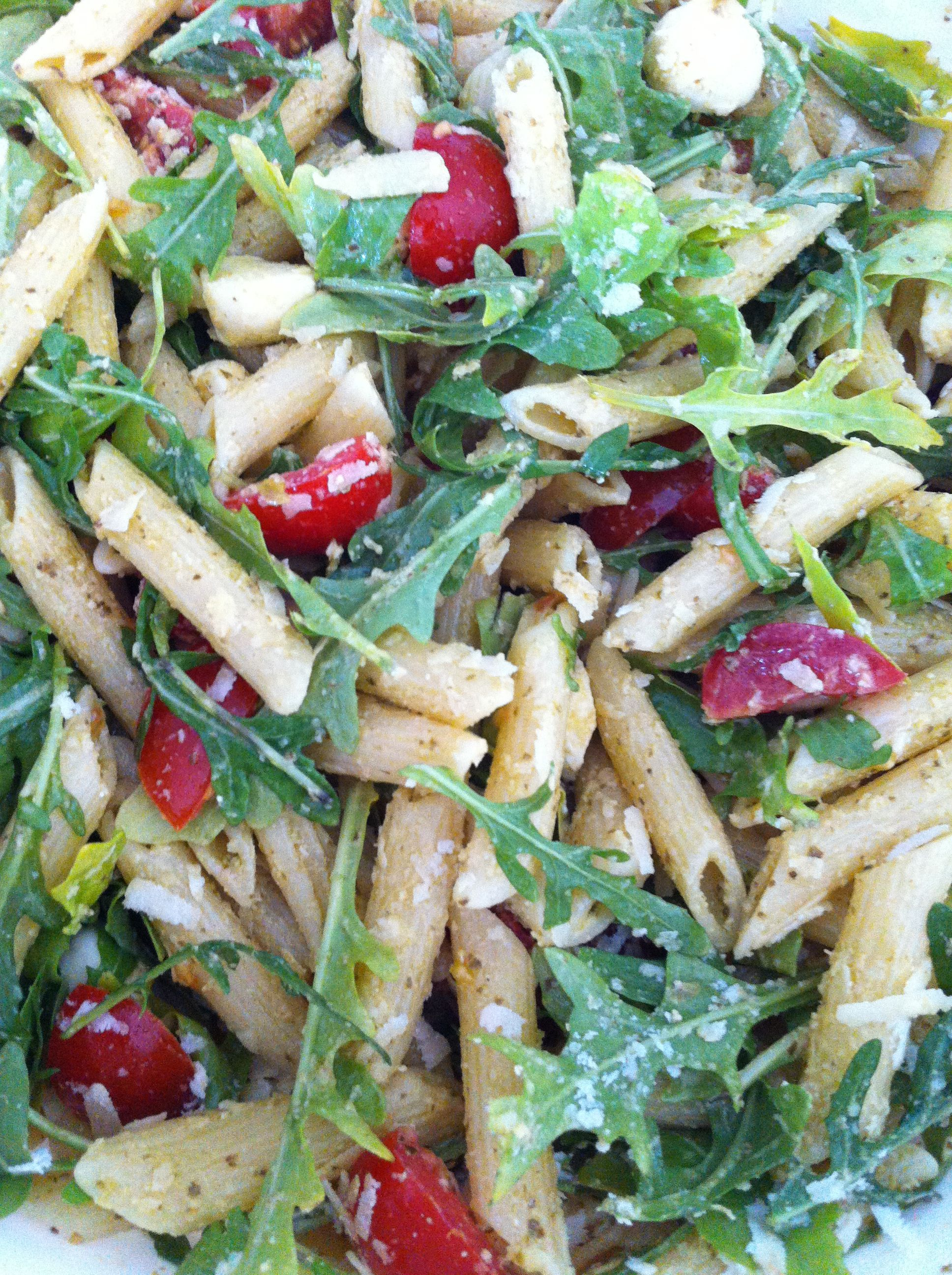 Der Fitness Rucola Nudelsalat mit Pesto – BASIC fitness