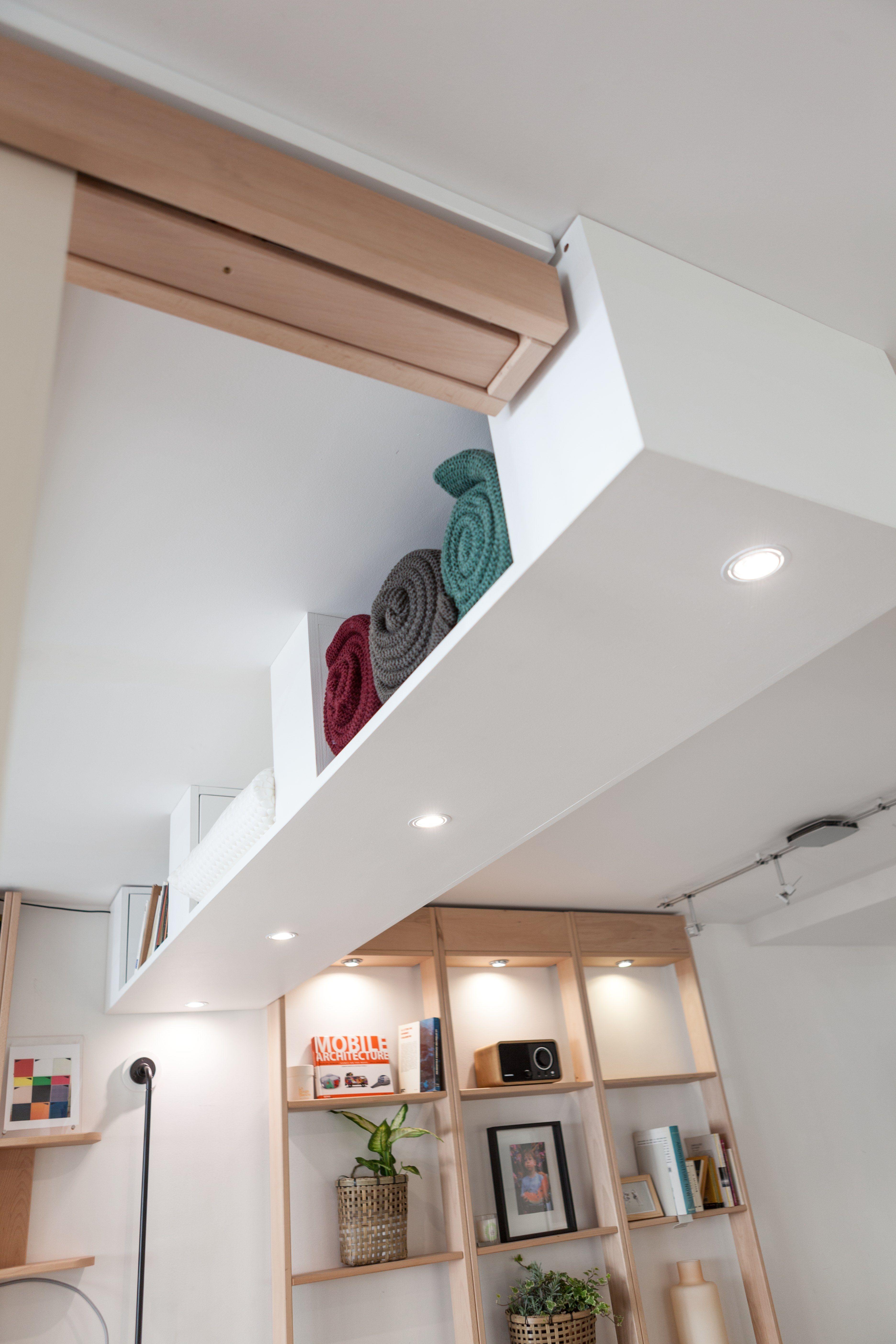 Rangement Suspendu Au Plafond Afin D Encadrer Votre Bedup Bedup Suspendu Litsuspendu Rangement Rangement Suspendu Rangement Au Plafond Amenagement Maison