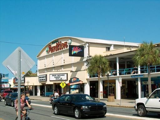Myrtle Beach Pavilion And The Magic Attic You Had To Be 16 To Get Into The Attic I Was 9 Good That I Had A Cousin Myrtle Beach Sc Beach Night Myrtle Beach