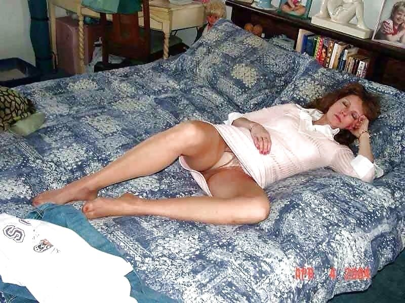 sleeping milf
