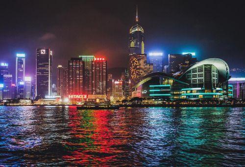 http://ift.tt/26nltoG  zirosou:  Harbour illumination #hongkong #discoverhongkong #LeicaQ #EyeEm #500px #香港 #illumination  #dance #hongkong #ballet