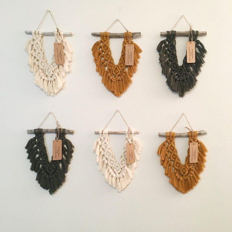 Small macrame wall hanging // boho home decor // s