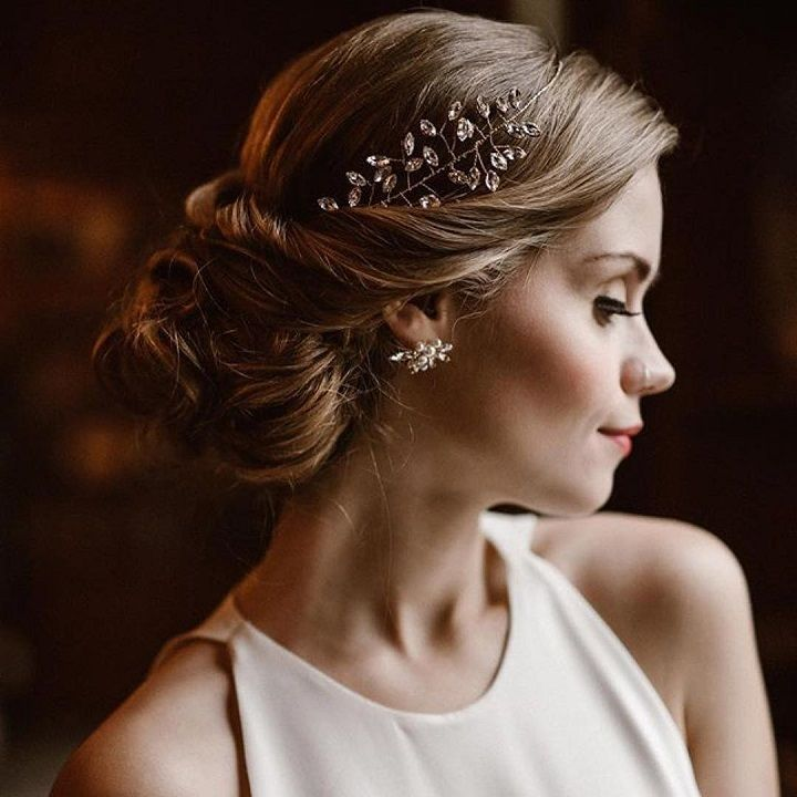 Bridal hairstyle for medium hair | fabmood.com #weddinghair #weddinghairstyle #bridalhair