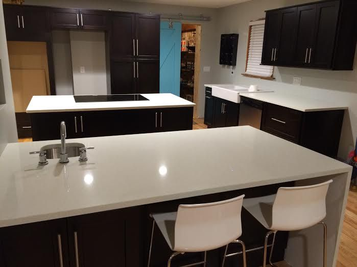 Beautiful Spring Valley Quartz Kitchen Countertops with ...