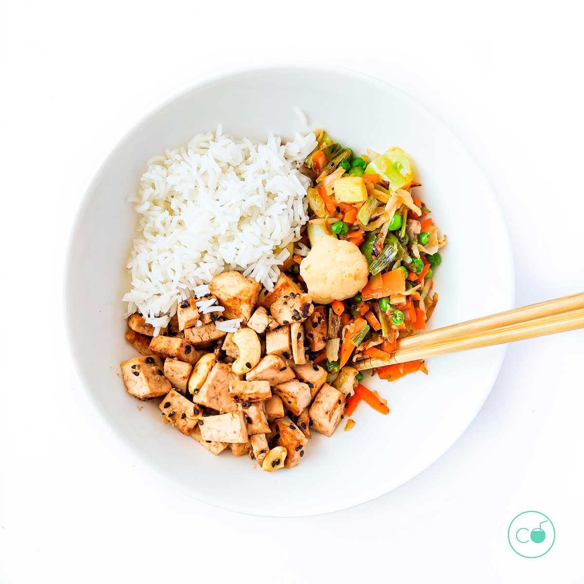 tofu macerado con verduras
