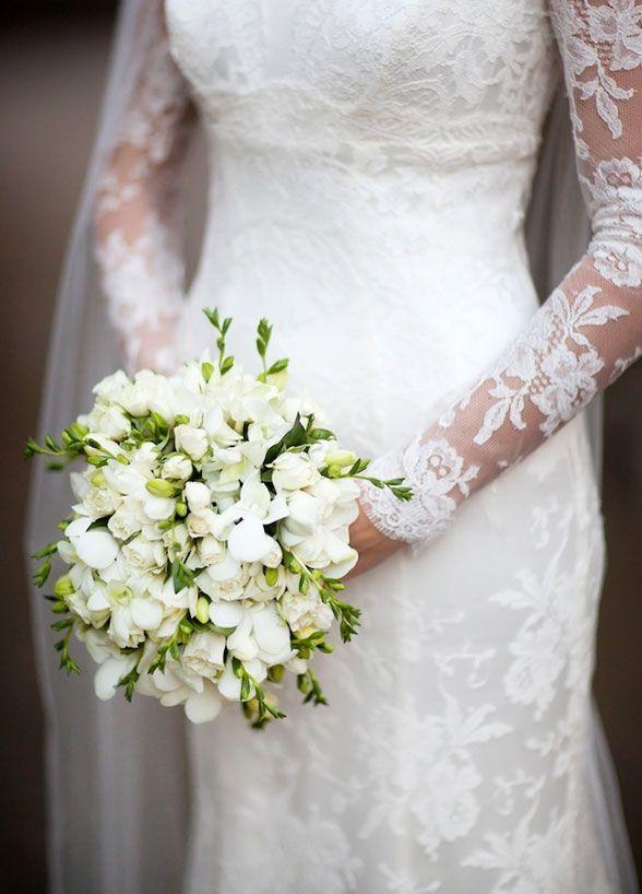Bukiet Slubny A Pora Roku Jakie Kwiaty Wybrac Wiosna A Jakie Zima White Wedding Flowers Wedding Boquet White Bouquet