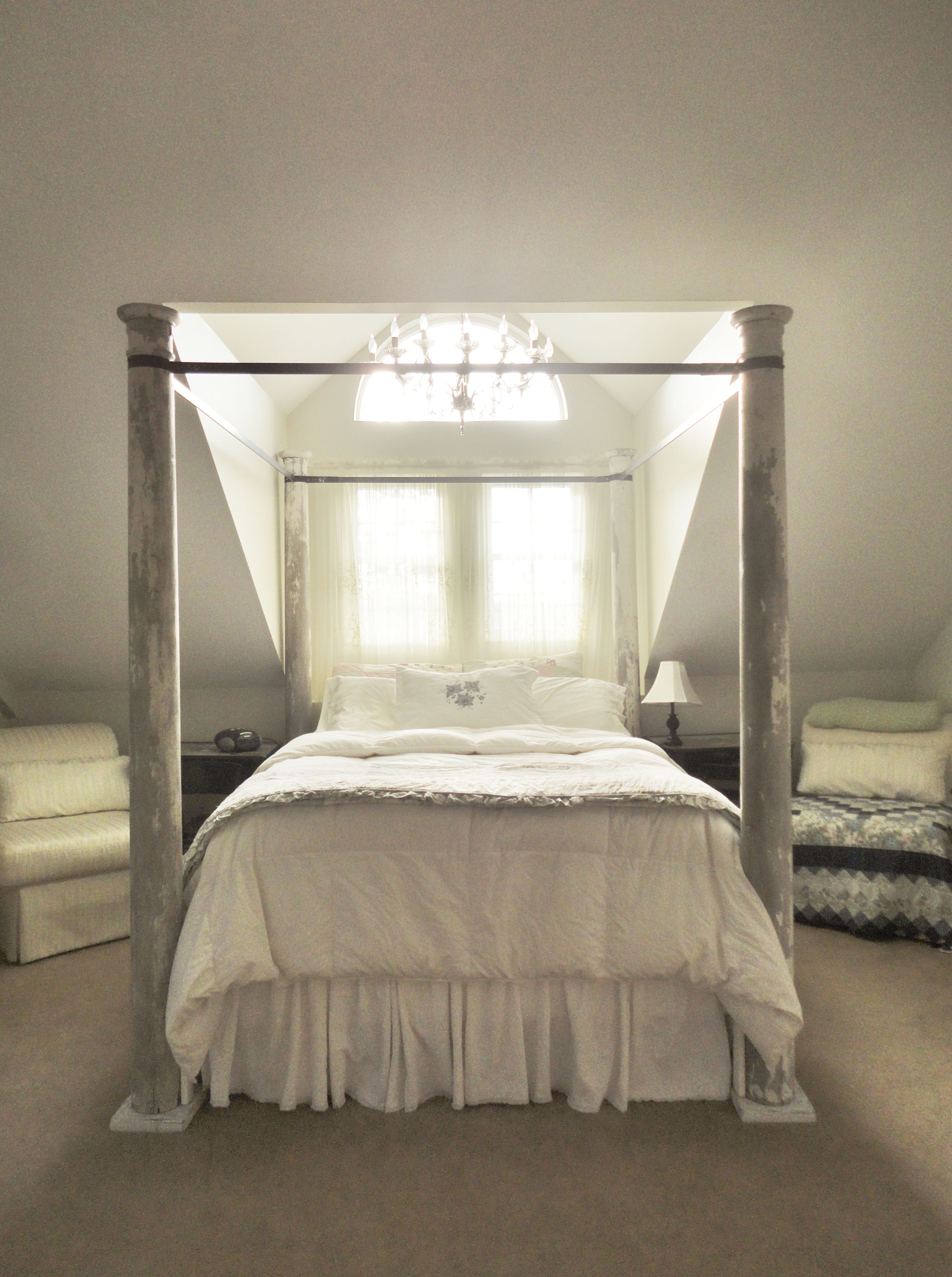 Re-purposed porch post 4 poster canopy bed & Re-purposed porch post 4 poster canopy bed | Bedrooms | Pinterest ...