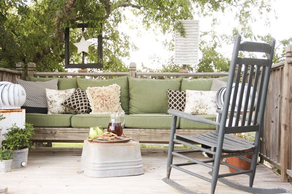 A gorgeous summer home tour! This backyard deck decorated with junk is a favorite!  -- The Pennington Point