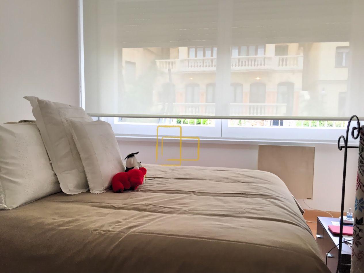 Estore enrollable en habitaci n principal solart for Cortinas estores enrollables