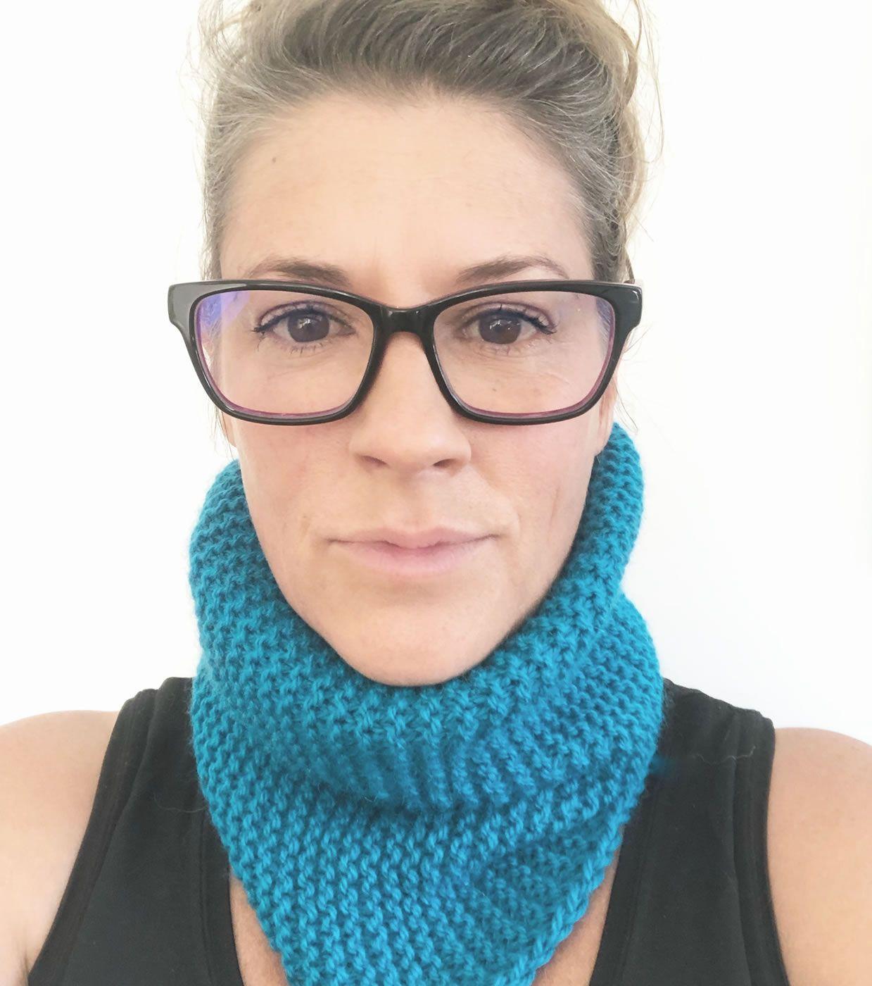 Easy (Beginner Knit) Neck Warmer Snood - Free Knitting ...