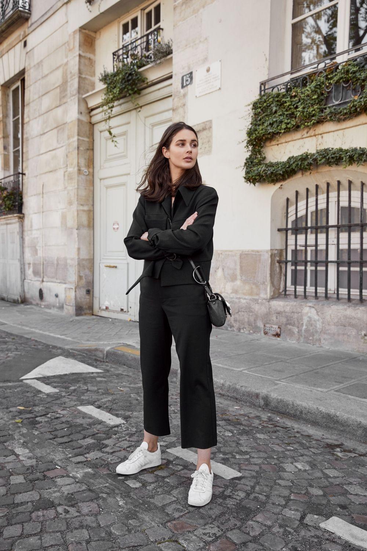Back in Black in Paris (Harper   Harley)  71a03e135