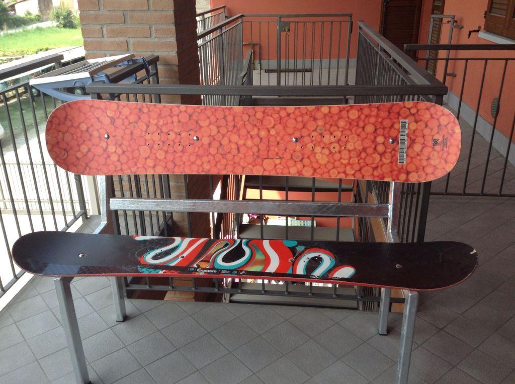 Panchina con tavole da snowboard Martel N.5
