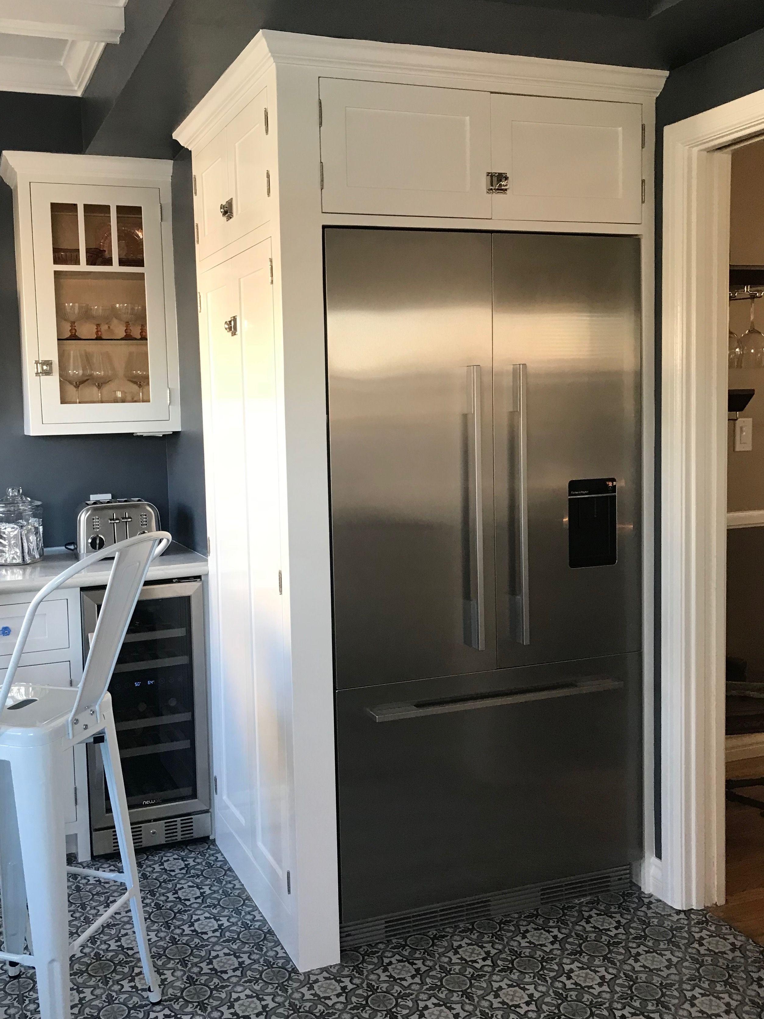 building refrigerator above fridge remodelando la cabinet enclosure casa the
