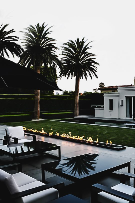 15 Compelling Contemporary Exterior Designs Of Luxury Homes You Ll Love: Envyavenue: Simon Cowell's Beverly Hills Home