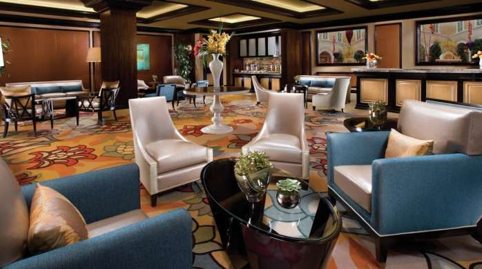 Penthouse Suite Bellagio Las Vegas Bellagio Penthouse Suite Vegas Suites White And Silver Bedroom