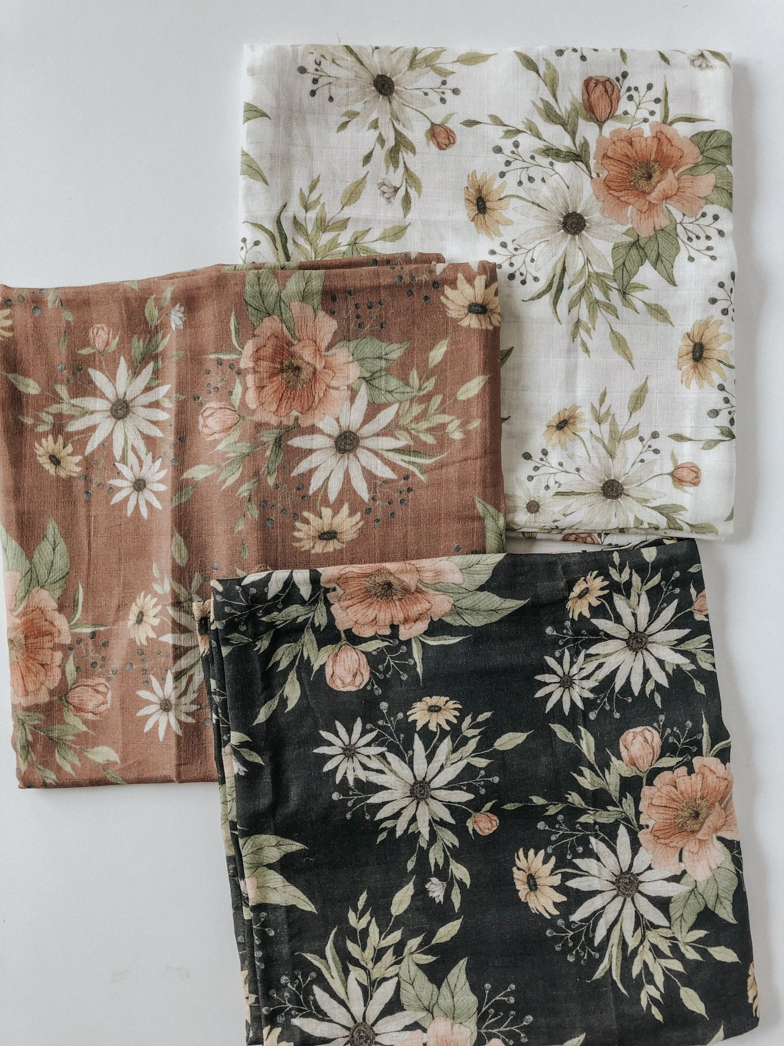 Beautiful Floral Illustrations On Baby Swaddle Blankets Boho Baby Quilt Baby Swaddle Blankets Neutral Baby Quilt