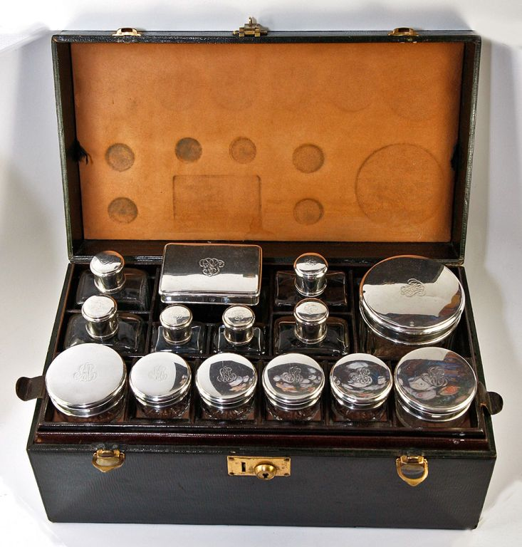 antique french travel case bag sterling silver vanity set 14pc vanity set. Black Bedroom Furniture Sets. Home Design Ideas