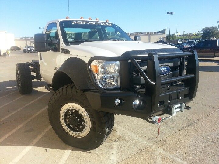 Dual caliper brakes, 12, 000 pound rated dana 80 front axle ...