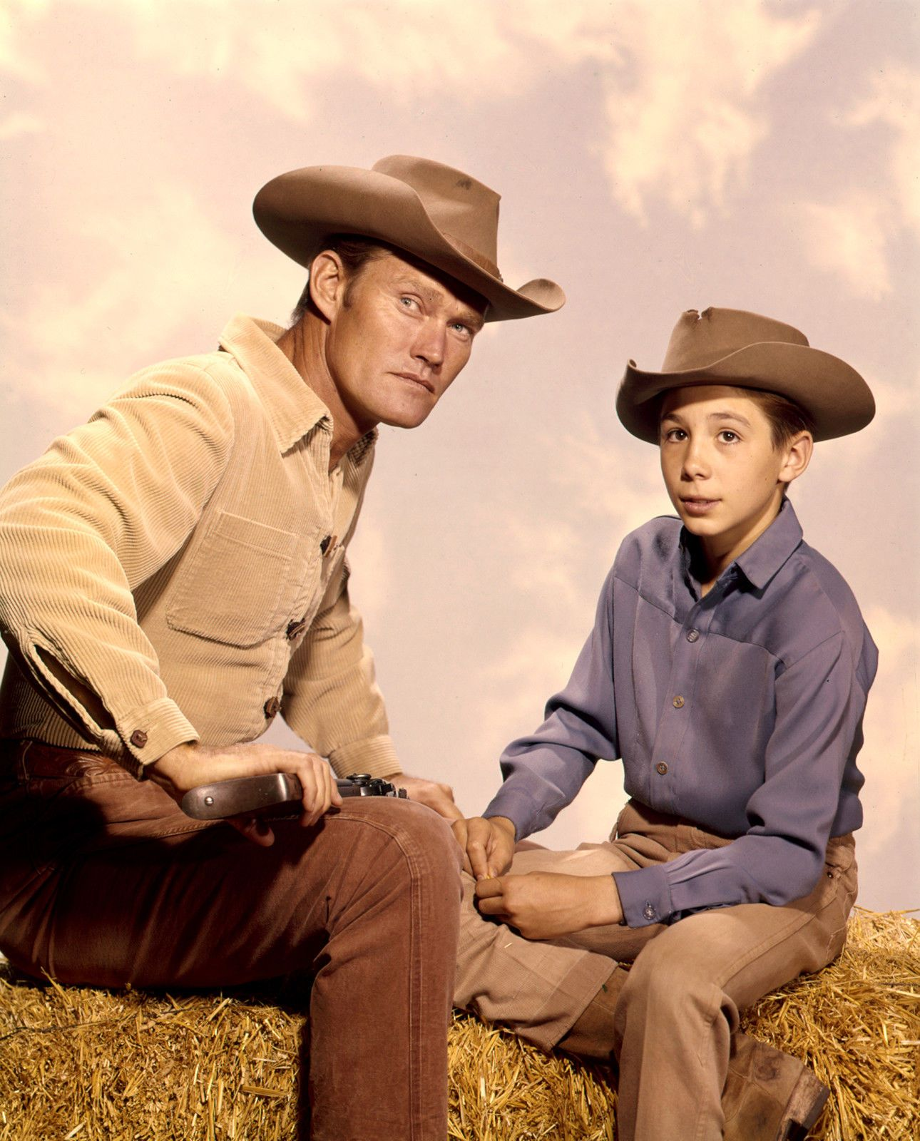 CHUCK CONNORS 8X10 PHOTO TV COWBOY PICTURE THE RIFLEMAN