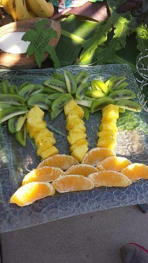Hawaiian Luau Party Unsere & # 39; Fruit Island & # 39;  #Fruit #Hawaiian #Isla #hawaiianluauparty