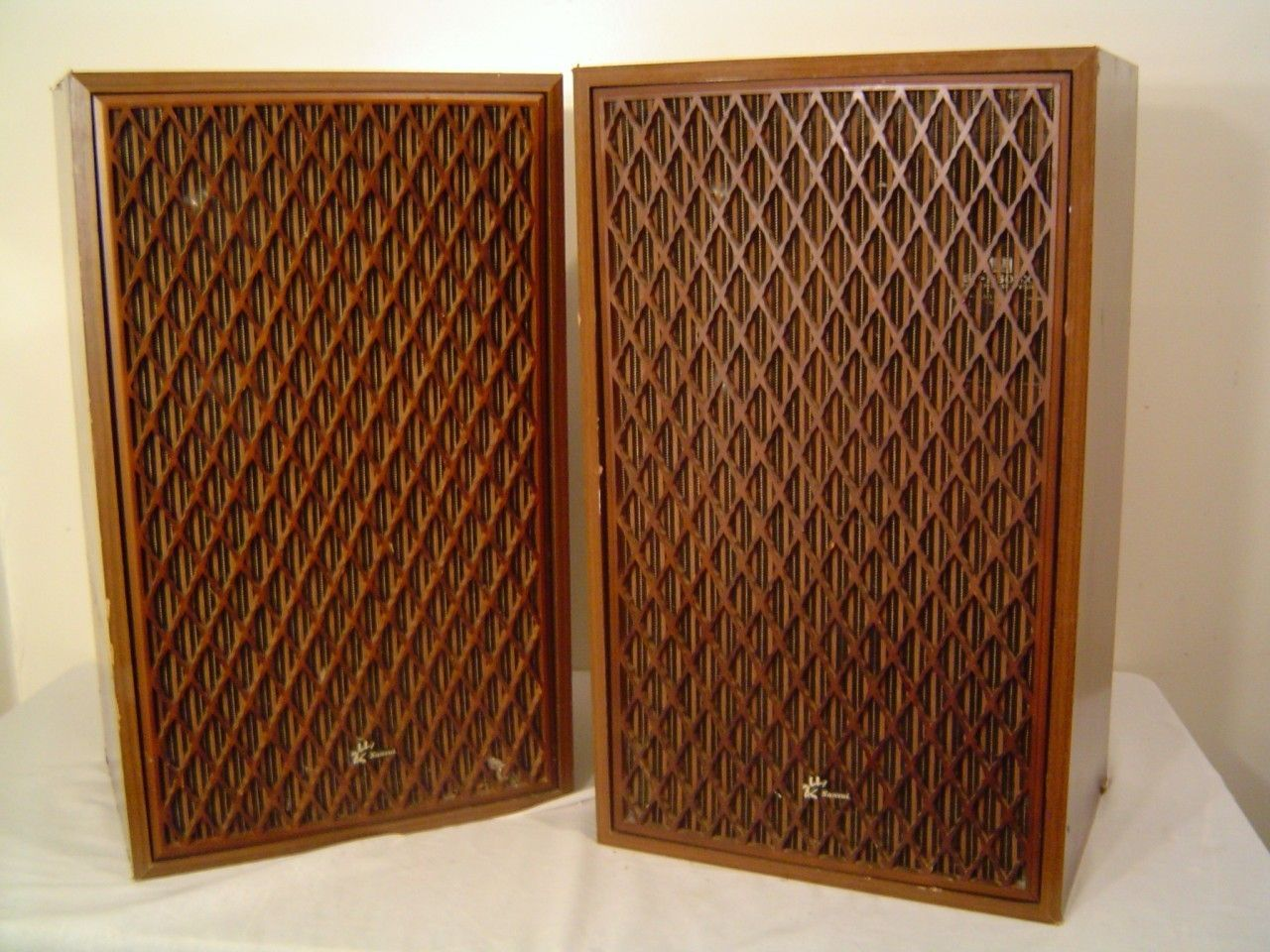 Vintage Sansui Sp 2500x 3 Way Floor Speakers 25x15x11 100