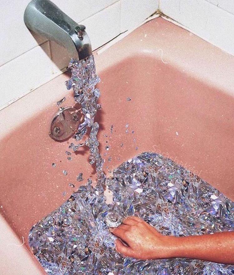 Crystal Bath, Pink Bathtub