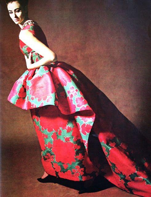 Roberto Capucci gown worn by Maggi Eckart for Elegance (Dutch) December 1962