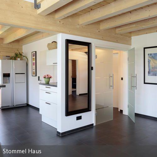 Modernes Wohnzimmer mit Ofen im Alpenstil チェアー Pinterest