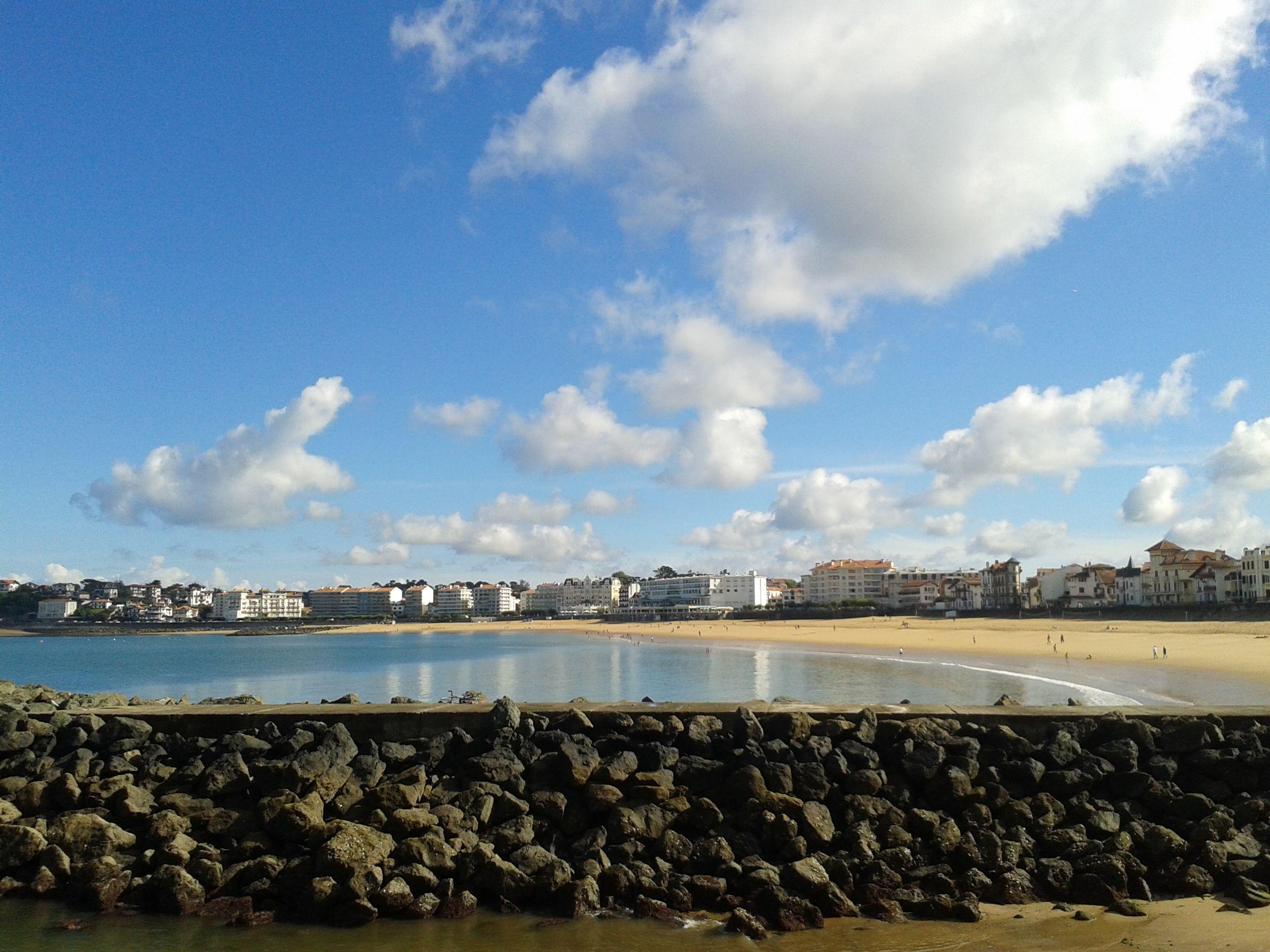 Ciel Bleu Nuageux Sur La Plage De Saint Jean De Luz France Beach Outdoor