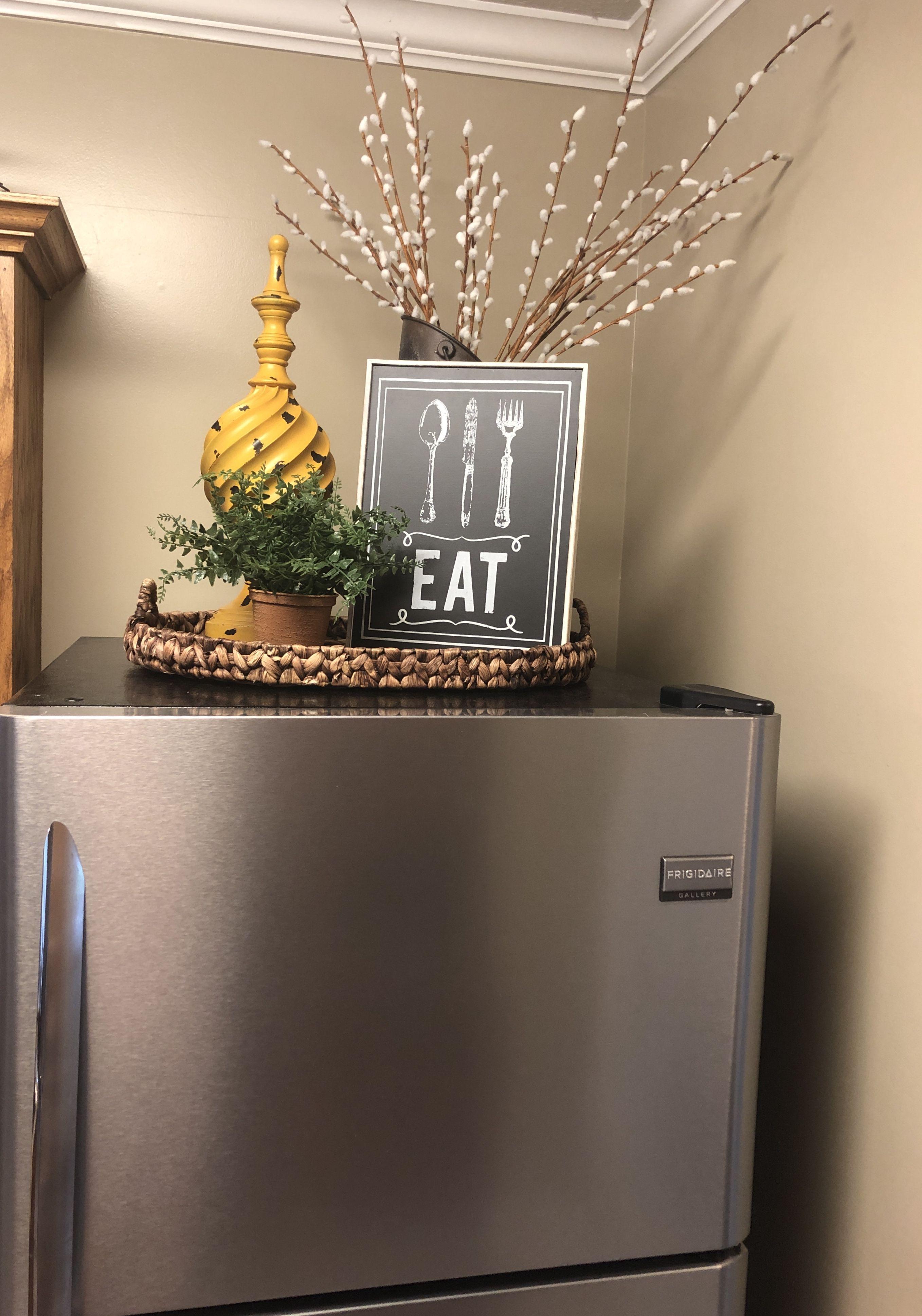 Decorating Above Kitchen