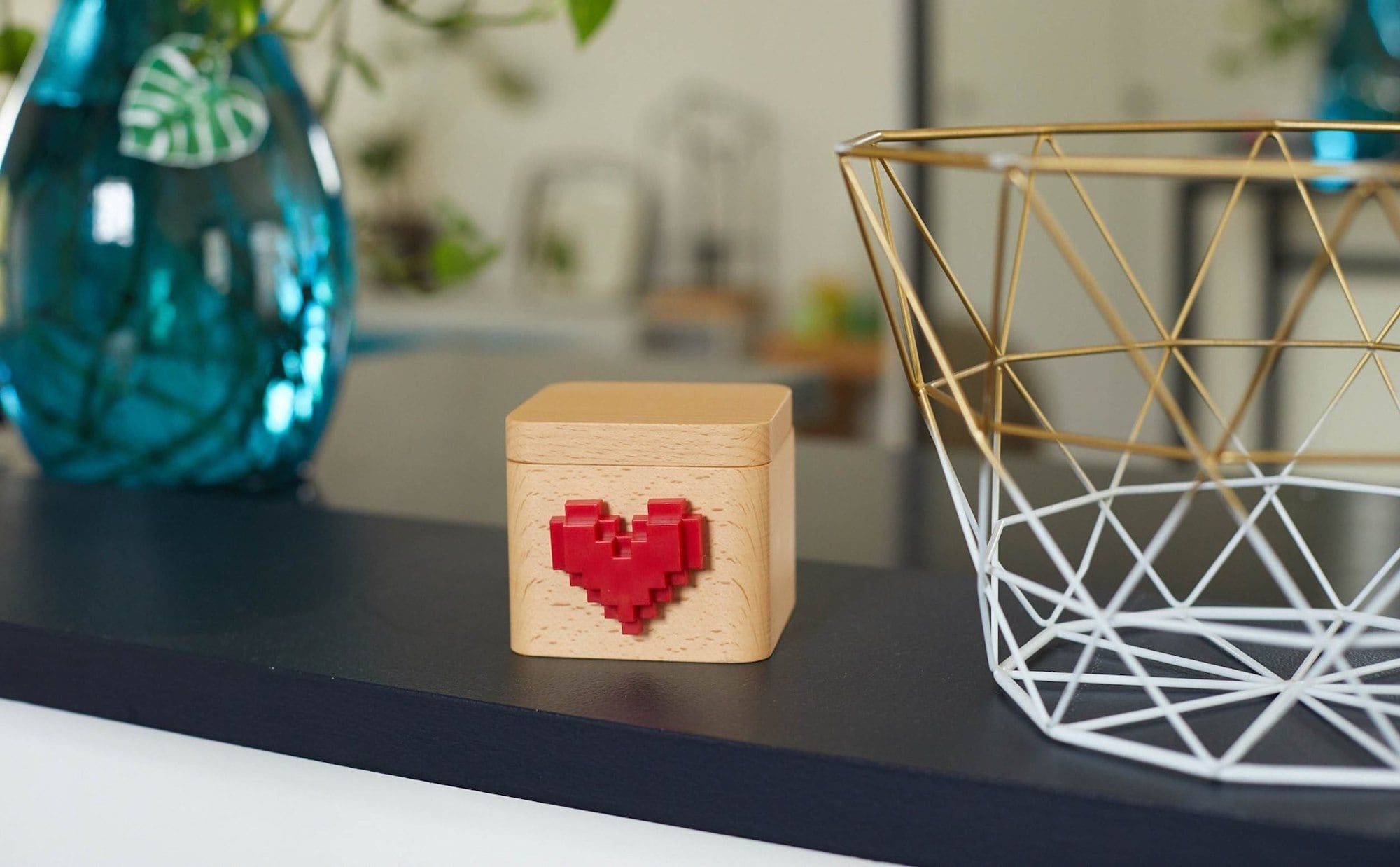 Lovebox Modern Love Note Messenger displays personalized