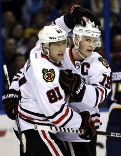 Blackhawks win again! NHL record now 20 as Crawford leaves injured